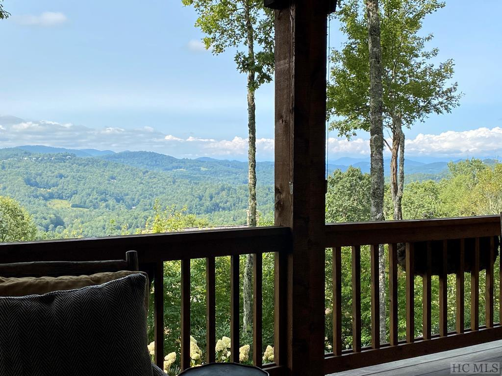 Photo of home for sale at 92 Bowline Court, Cashiers NC