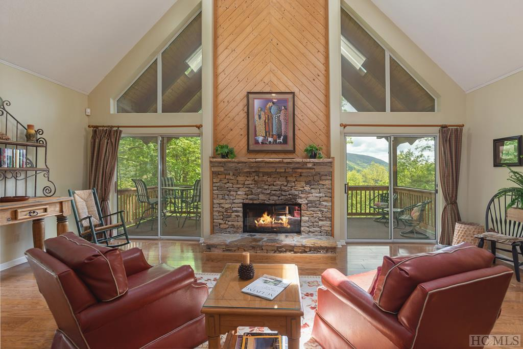Photo of home for sale at 53 Eagle Ridge Road, Sapphire NC