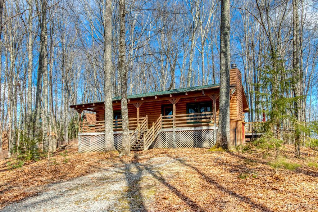 Photo of home for sale at 379 Great Falls Drive, Glenville NC