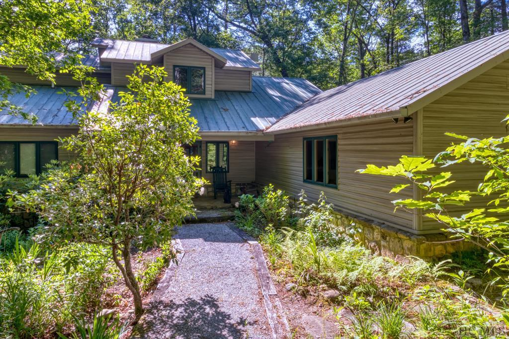 Photo of home for sale at 569 Wild River Road, Cashiers NC