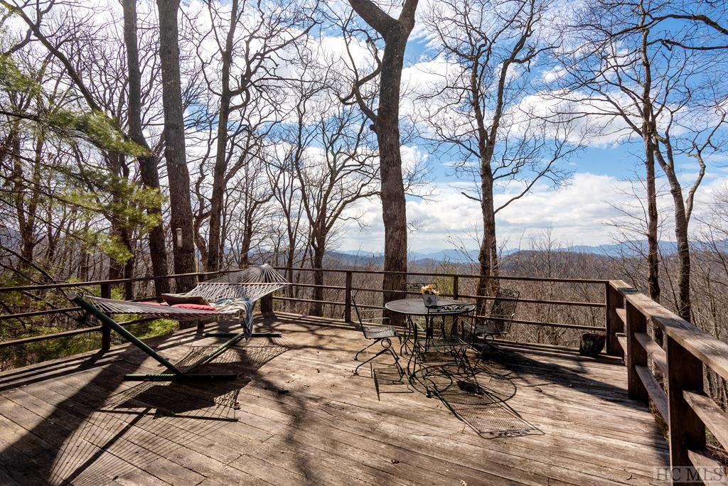 Photo of home for sale at 418 Eastside Duck Mountain Road, Scaly Mountain NC