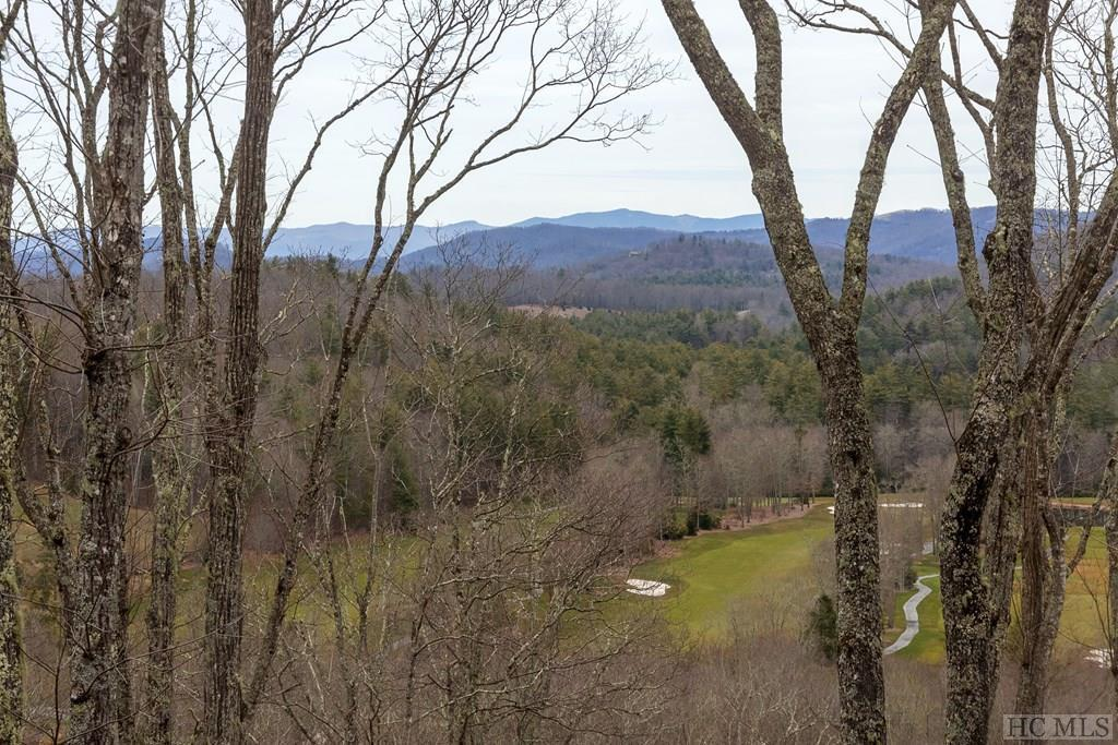 Photo of home for sale at 135 Old Wagon Trail, Highlands NC