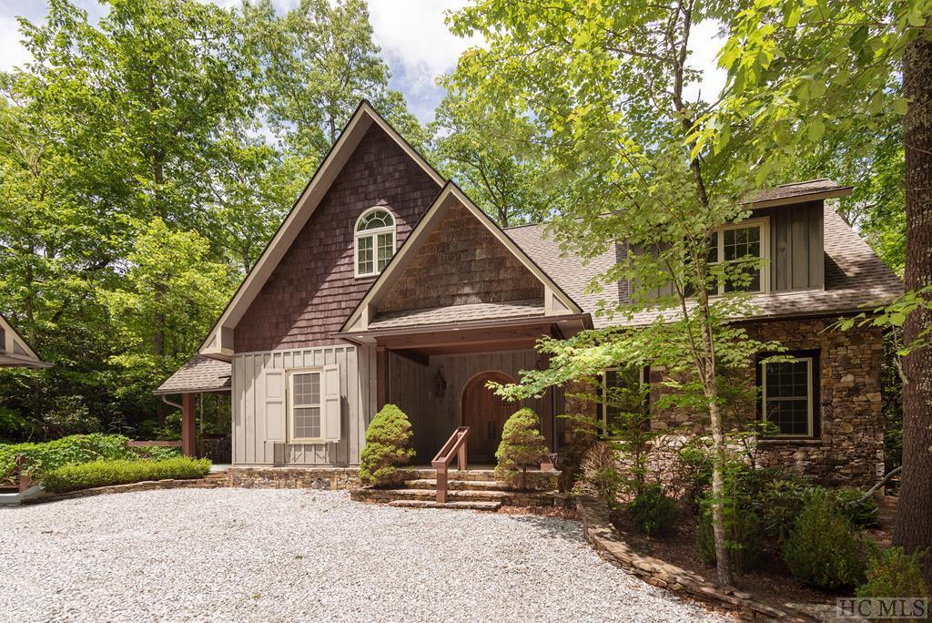 Photo of home for sale at 461 Gold Creek Road, Sapphire NC