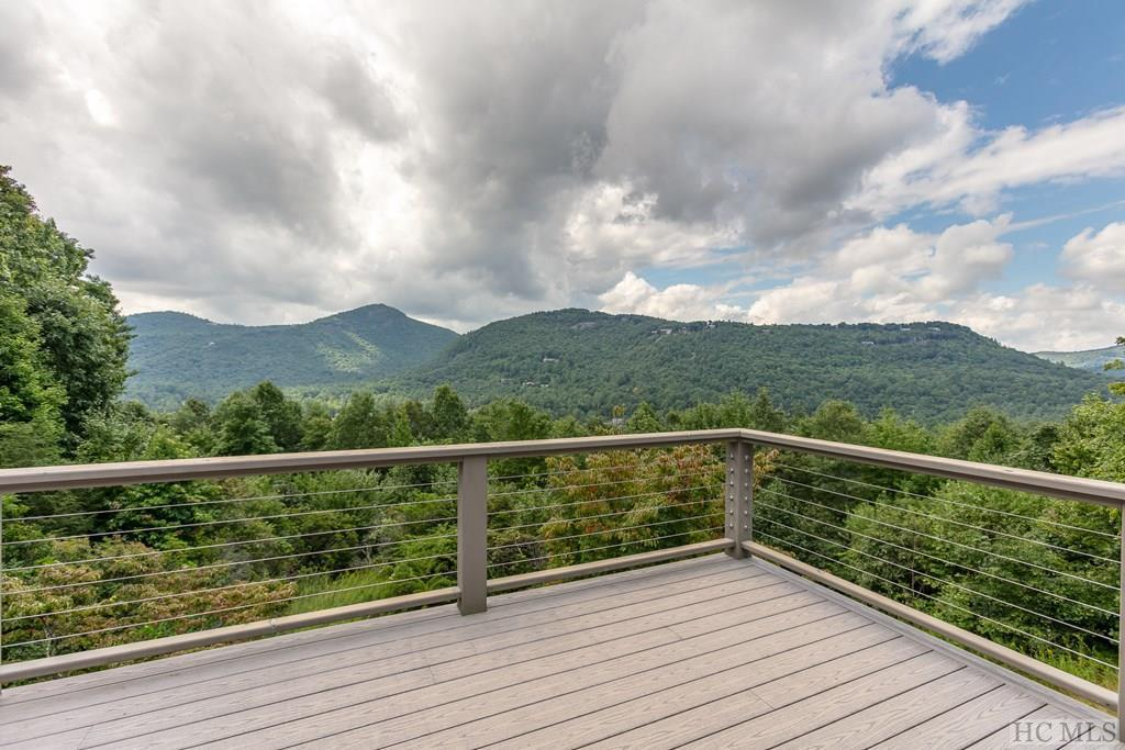 Photo of home for sale at 307 Beckonridge Trail, Sapphire NC