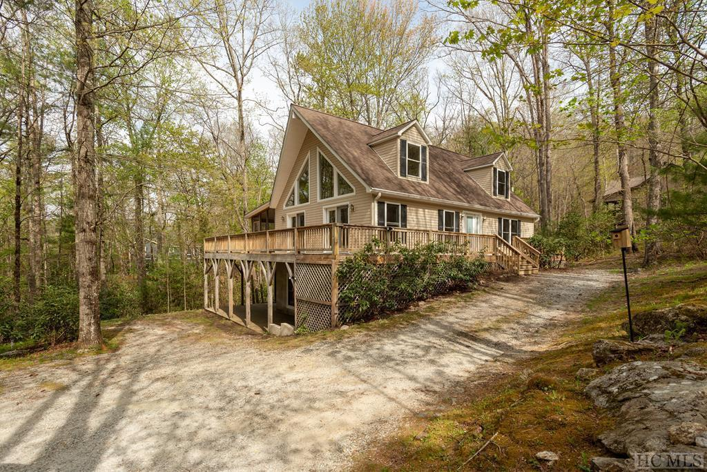 Photo of home for sale at 486 Buckberry Drive South, Sapphire NC