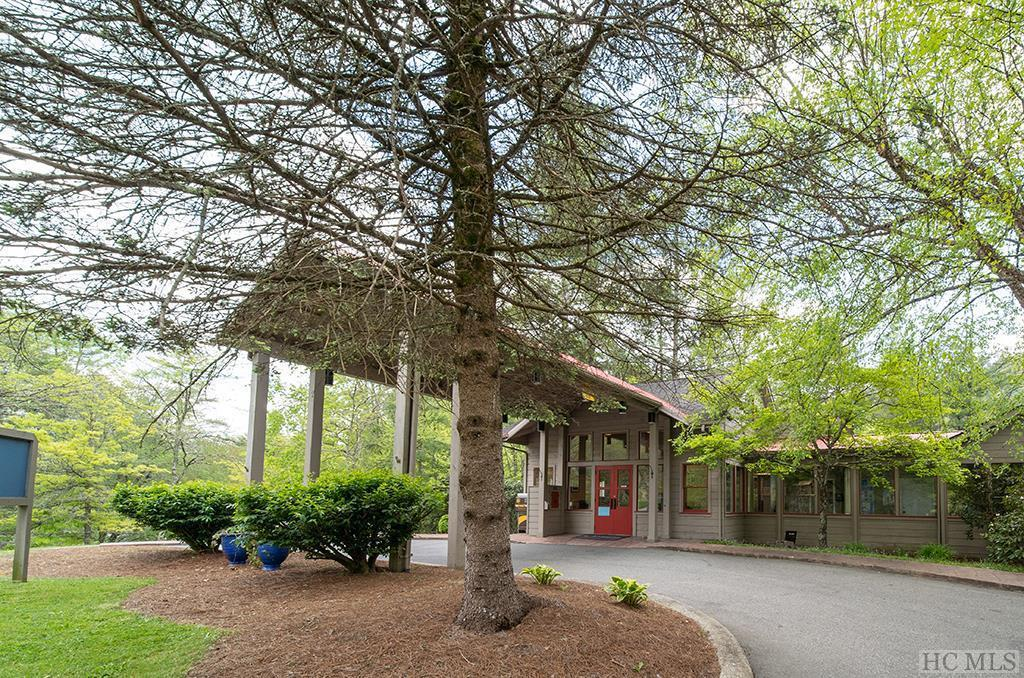 Photo of home for sale at 70 Sapphire Valley Road, Sapphire NC