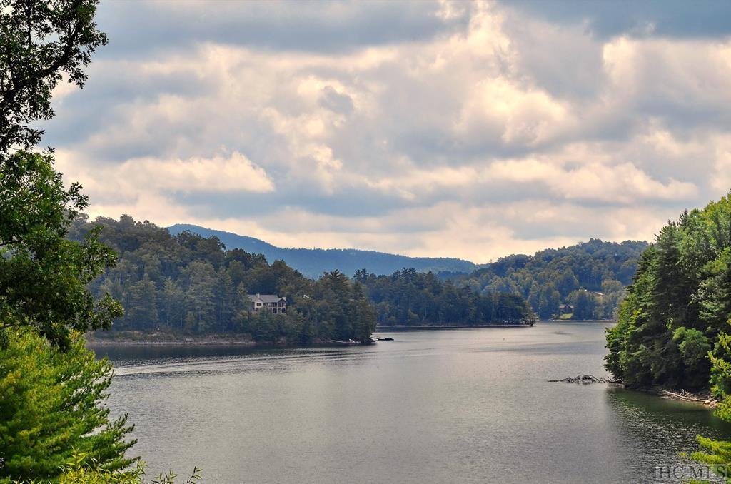 Photo of home for sale at 56 Stone Pointe Lane, Cullowhee NC