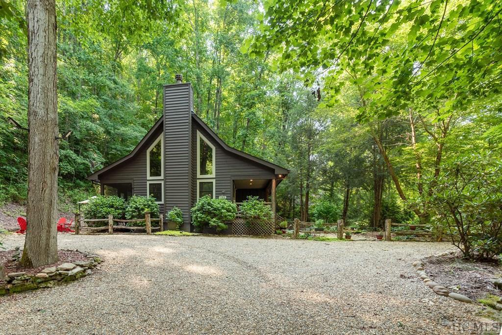 Photo of home for sale at 195 Hanging Rock Road, Glenville NC