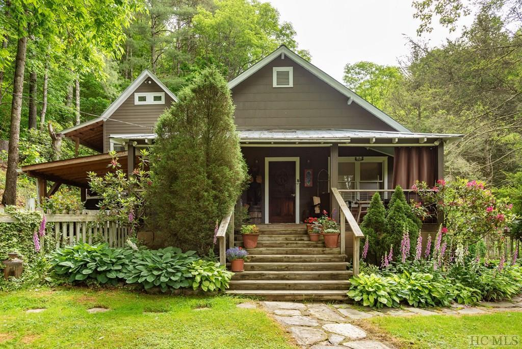 Photo of home for sale at 1756 Mill Creek Road, Cullowhee NC