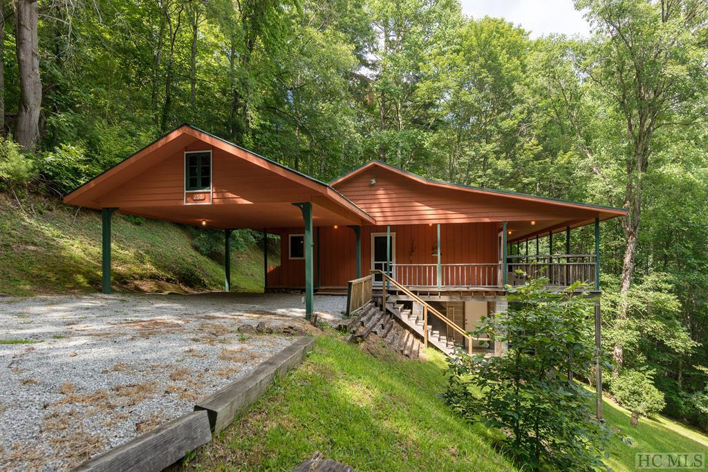 Photo of home for sale at 260 Milestone Place, Cullowhee NC