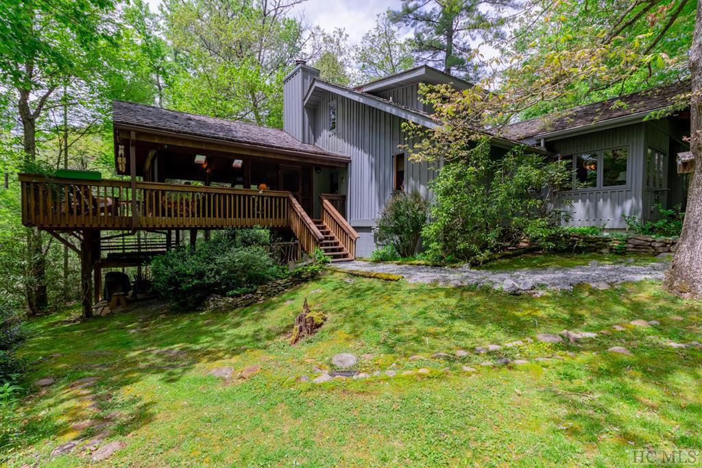 Photo of home for sale at 162 Sheep Laurel Road, Cashiers NC