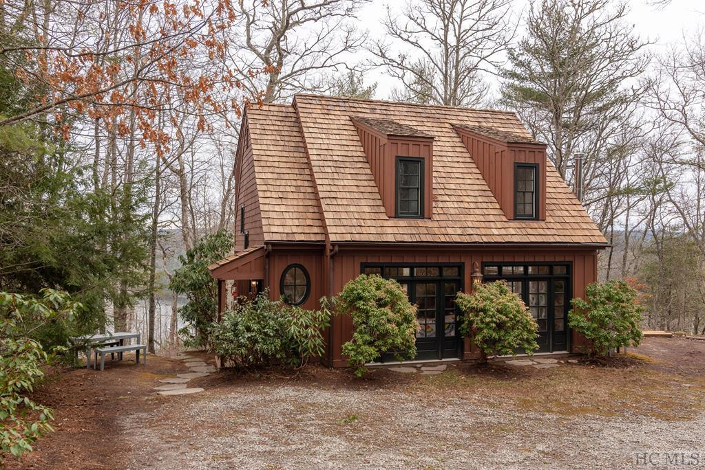 Photo of home for sale at 306 Wildberry Lane, Cullowhee NC