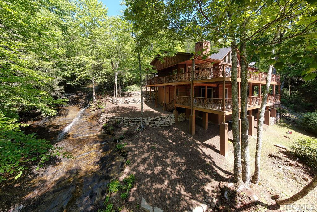 Photo of home for sale at 44 Mica Court, Sapphire NC