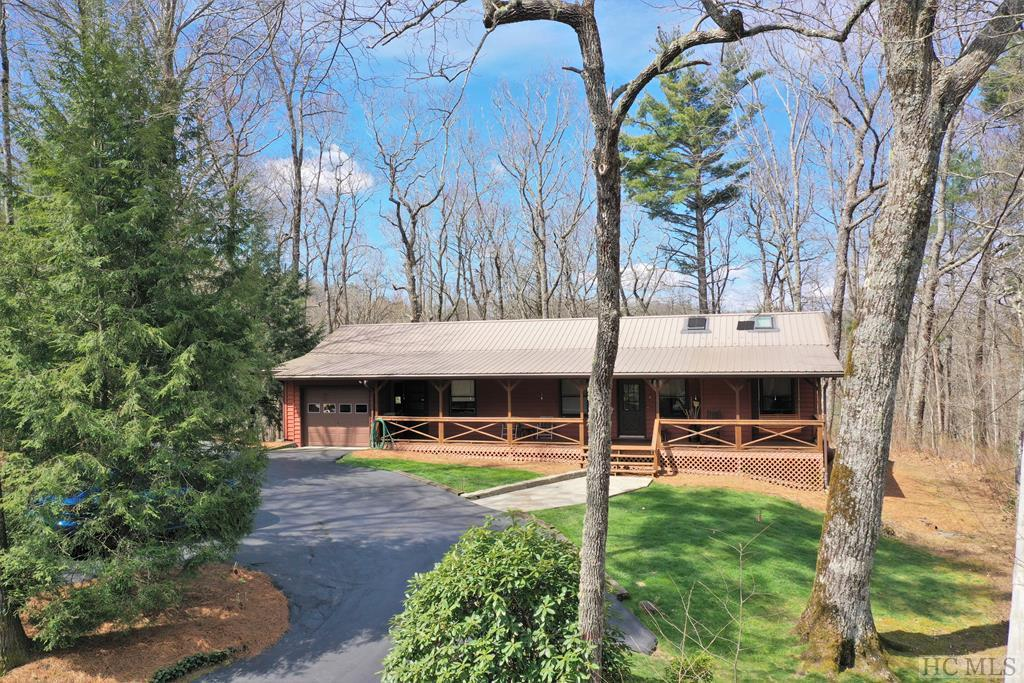 Photo of home for sale at 273 Harris Drive, Highlands NC