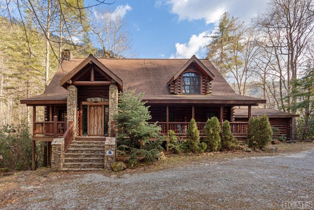 Photo of home for sale at 1464 Spring Valley Road, Cashiers NC