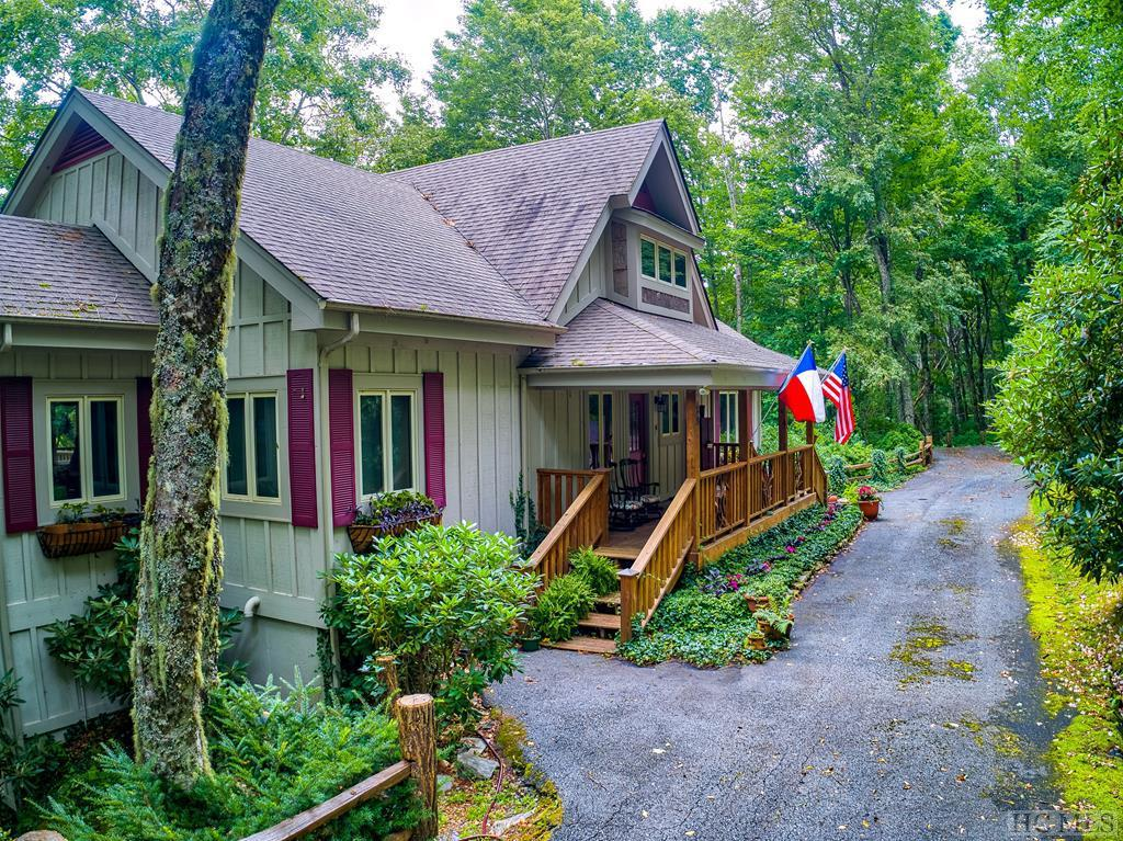 Photo of home for sale at 28 Ivy Rose Lane, Glenville NC