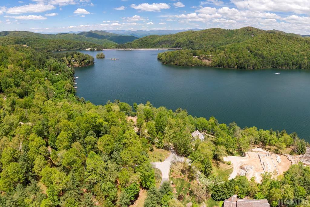 Photo of home for sale at 55 Stone Pointe Lane, Cullowhee NC