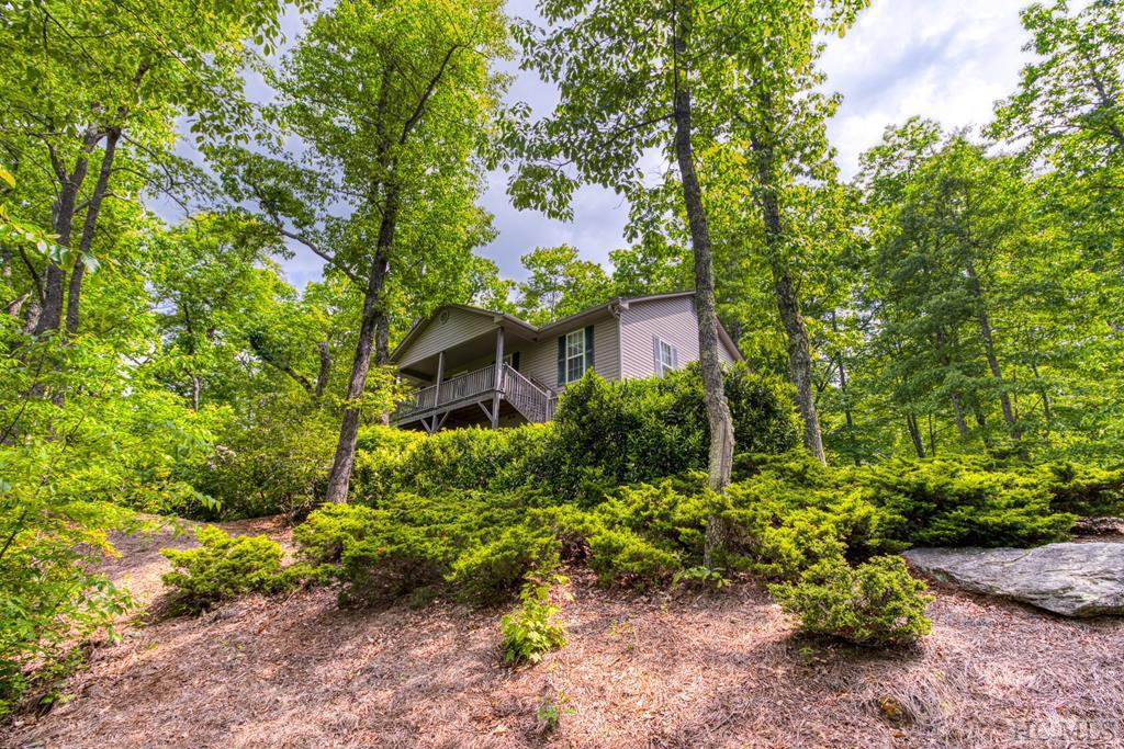 Photo of home for sale at 1724 Buckberry Drive North, Sapphire NC
