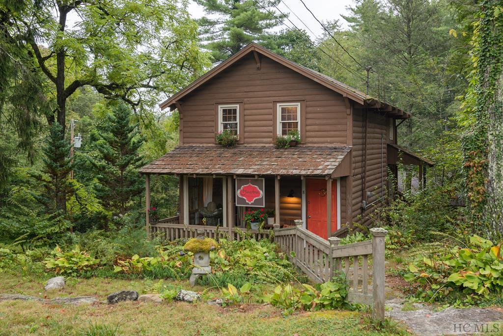 Photo of home for sale at 8 Marmalade Lane, Cashiers NC