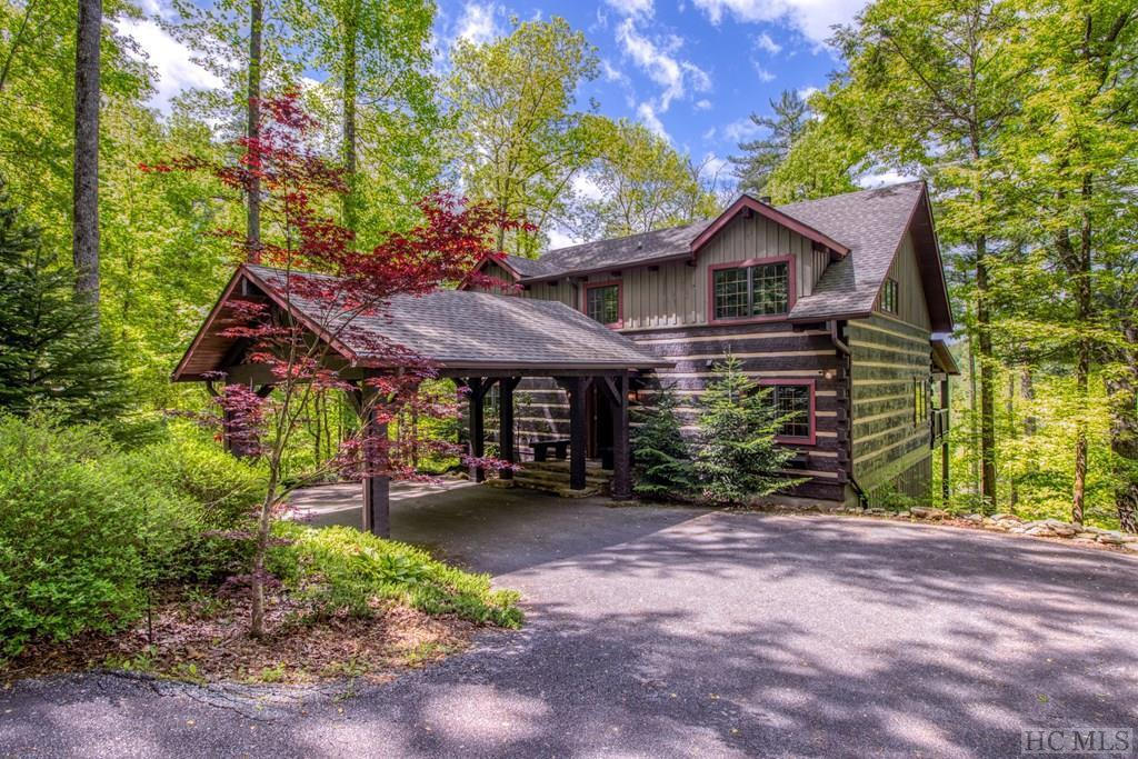 Photo of home for sale at 471 Pine Forest Road, Sapphire NC