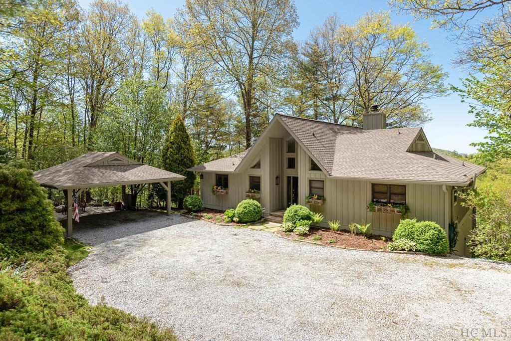 Photo of home for sale at 1102 Big Sheepcliff Road, Cashiers NC