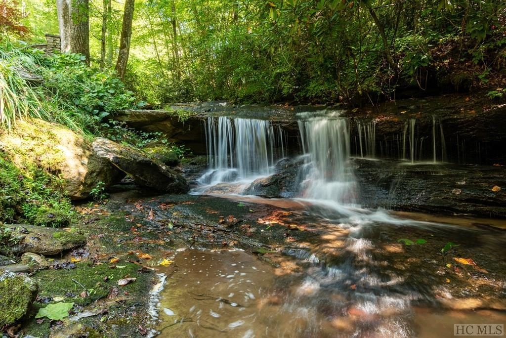 Photo of home for sale at 10195 Dillard Road, Scaly Mountain NC