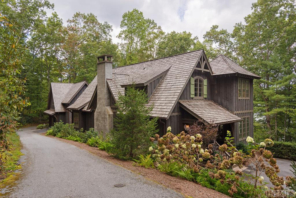 Photo of home for sale at 123 Summer Cove Road, Glenville NC
