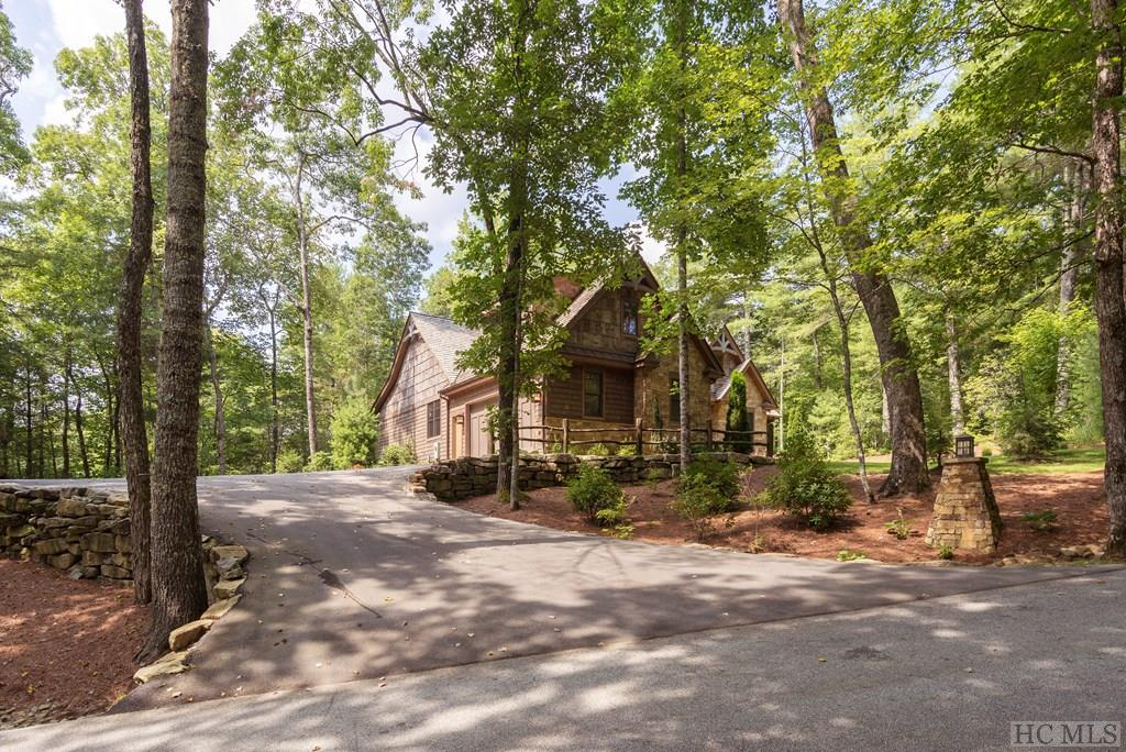 Photo of home for sale at 194 Streamside Drive, Cashiers NC