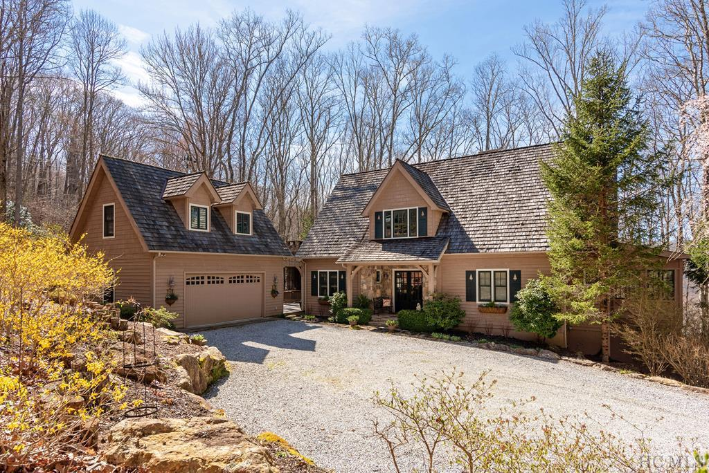 Photo of home for sale at 103 Old Forester Trail, Cullowhee NC