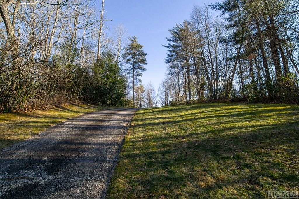 Photo of home for sale at 242 Barefaced Ridge, Cashiers NC