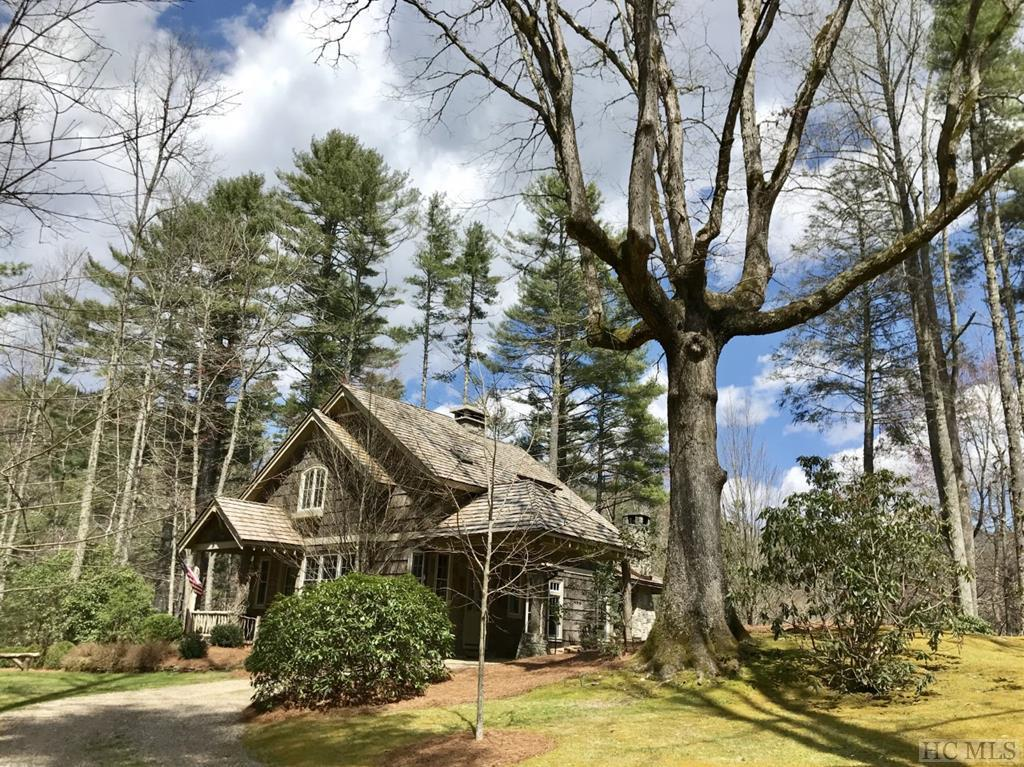 Photo of home for sale at 52 Gorge Trail Road, Cashiers NC