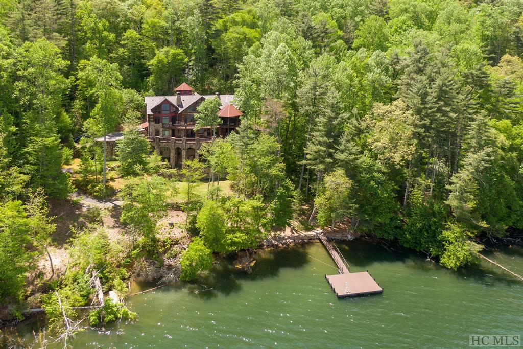 Photo of home for sale at 474 Glenshore Drive, Cullowhee NC