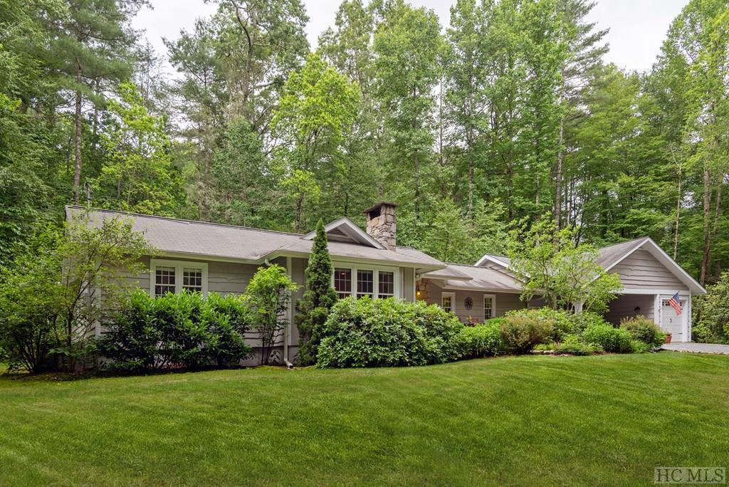 Photo of home for sale at 166 Laurel Creek Lane, Sapphire NC