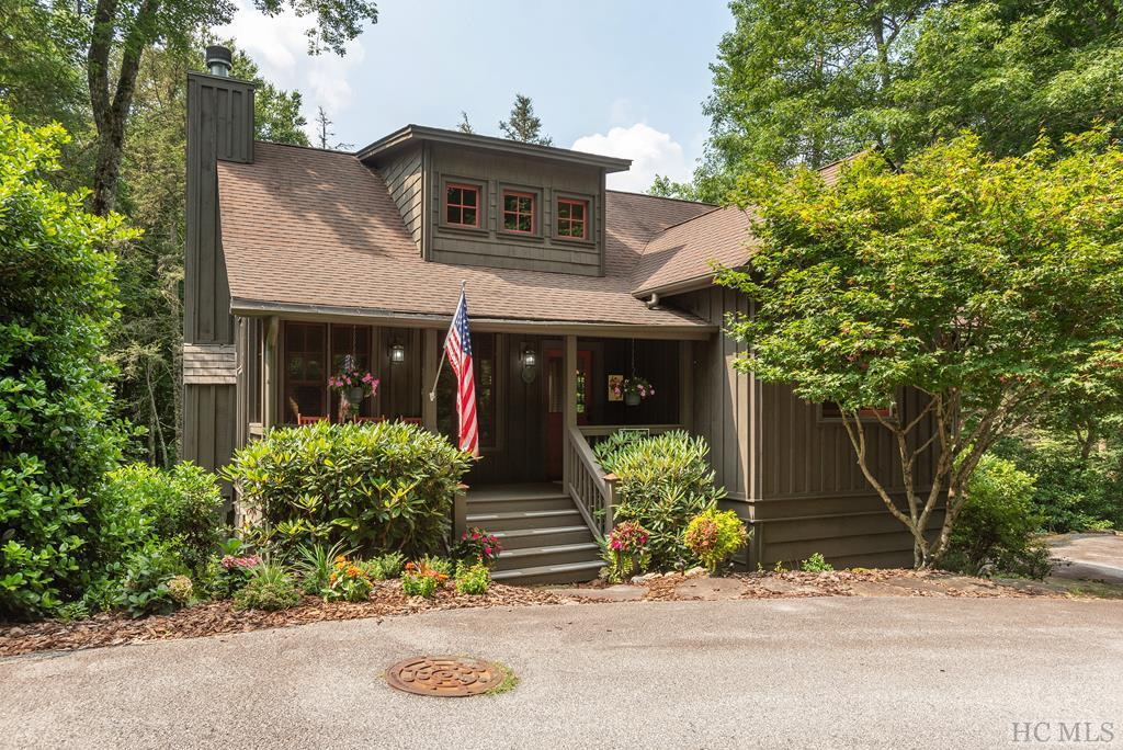 Photo of home for sale at 14 Green Haven, Cashiers NC