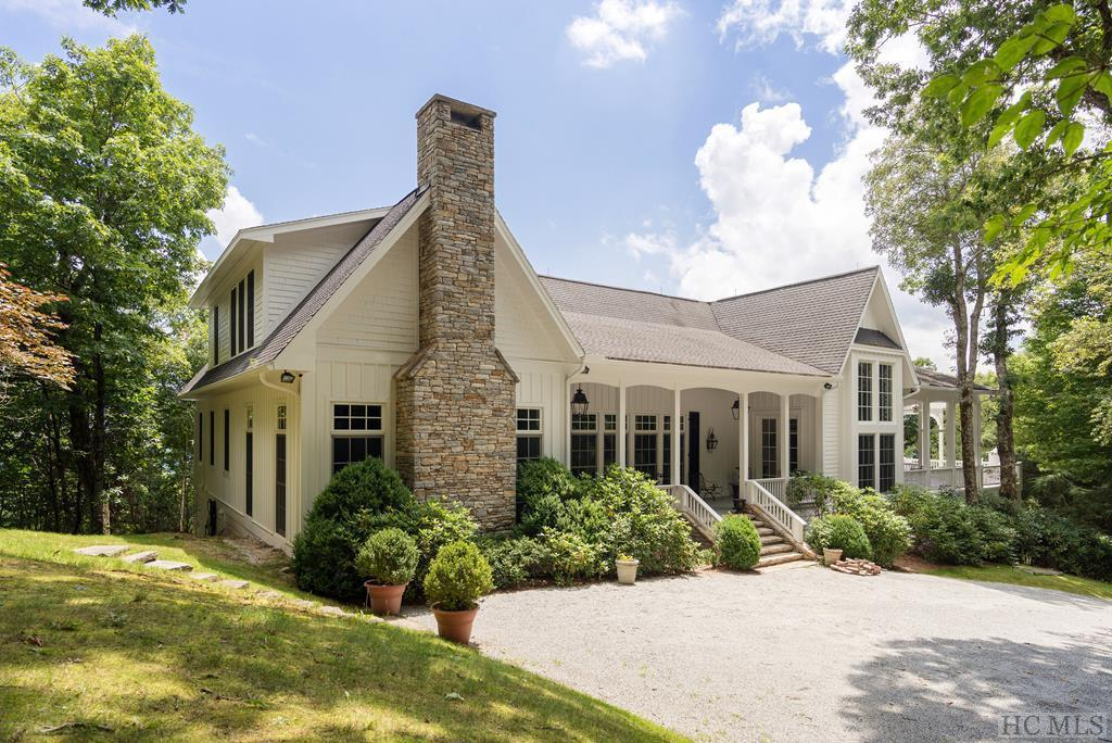 Photo of home for sale at 2808 Big Sheepcliff Road, Cashiers NC