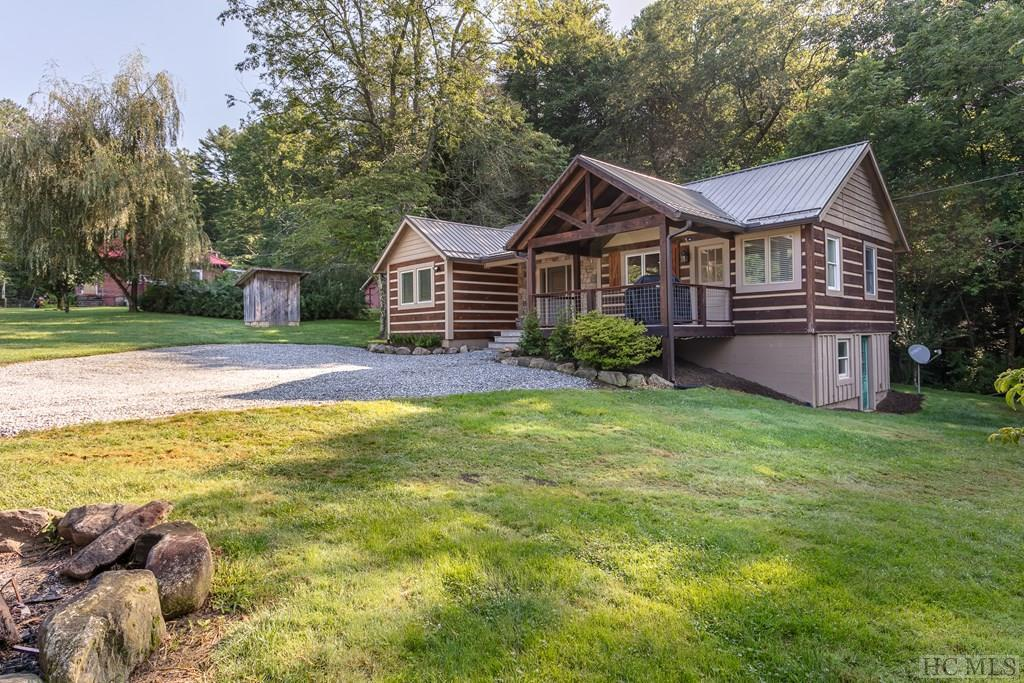 Photo of home for sale at 51 Weigela Lane, Sapphire NC