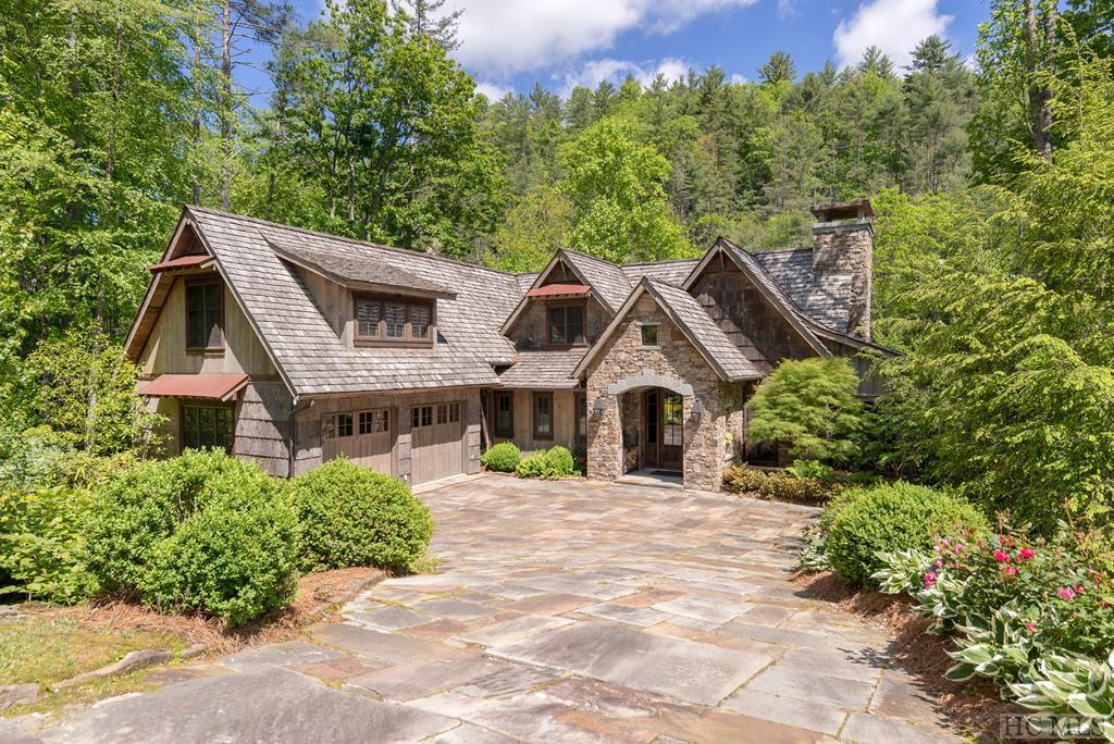 Photo of home for sale at 228 Gorge Trail Road, Cashiers NC