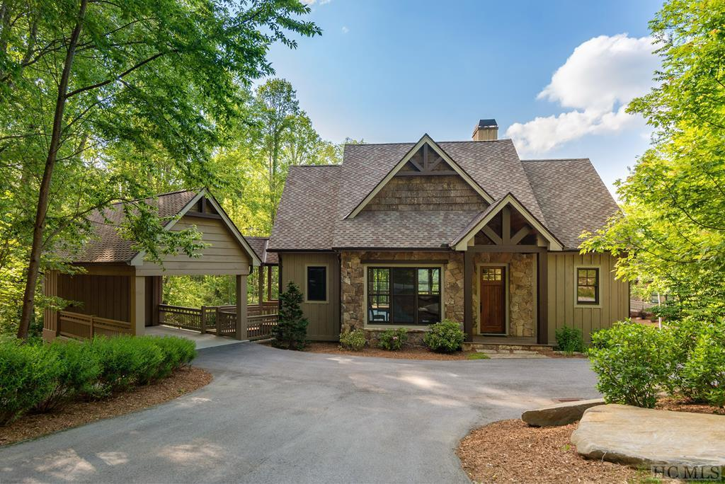 Photo of home for sale at 59 Springhouse Drive, Cashiers NC