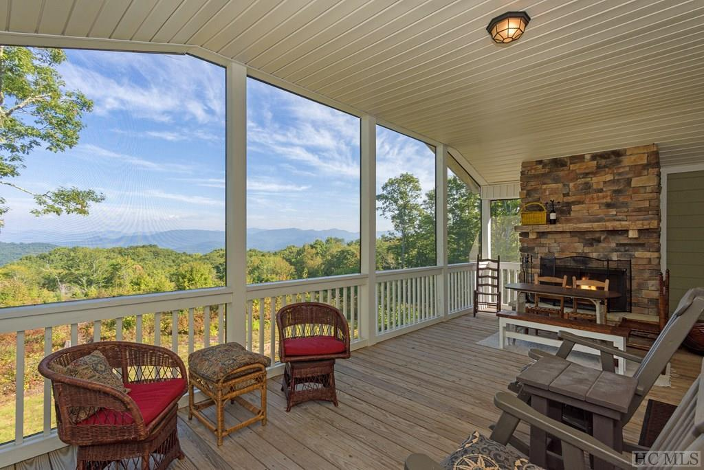 Photo of home for sale at 1283 Rye Mountain Road, Glenville NC