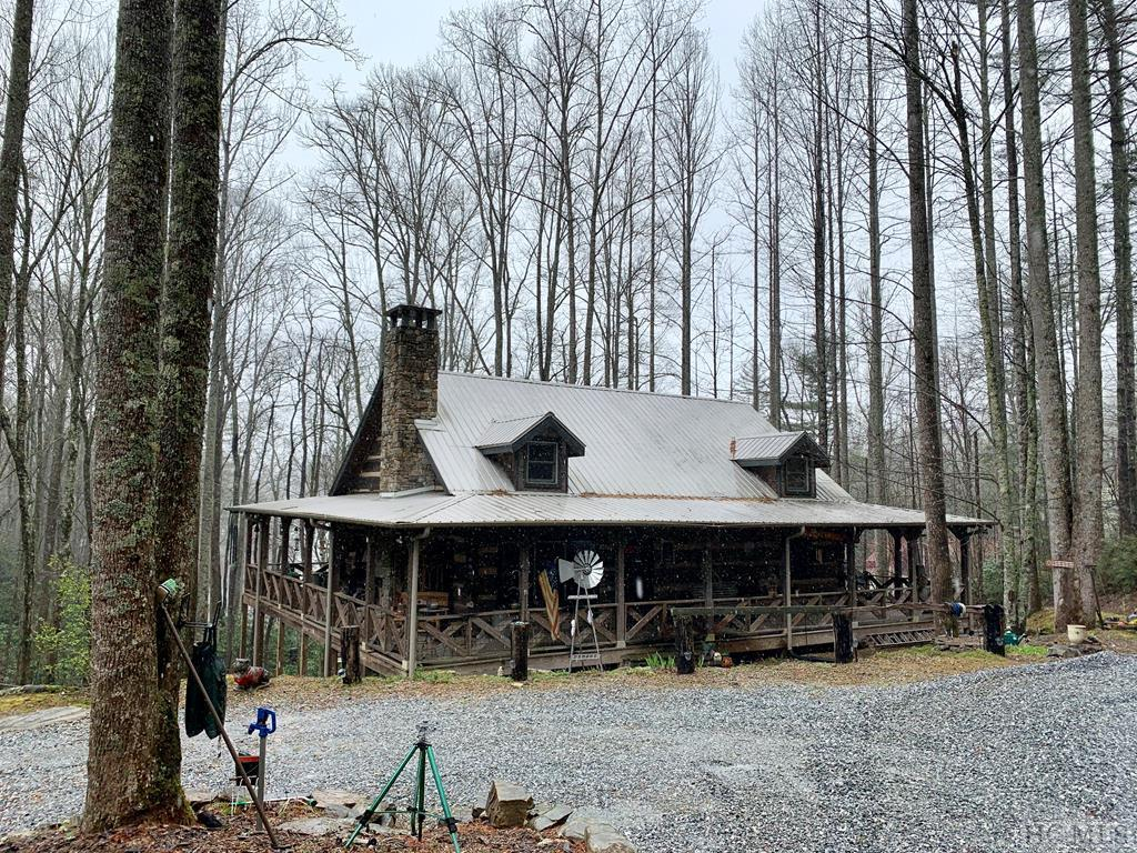 Photo of home for sale at 158 Andrews Park Road, Glenville NC