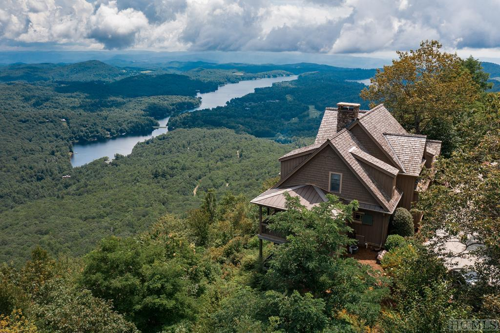 Photo of home for sale at 466 Meadow Ridge, Lake Toxaway NC