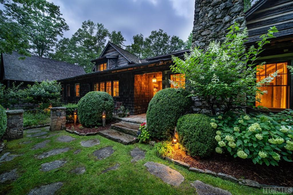 Photo of home for sale at 131 Bent Tree Lane, Cashiers NC