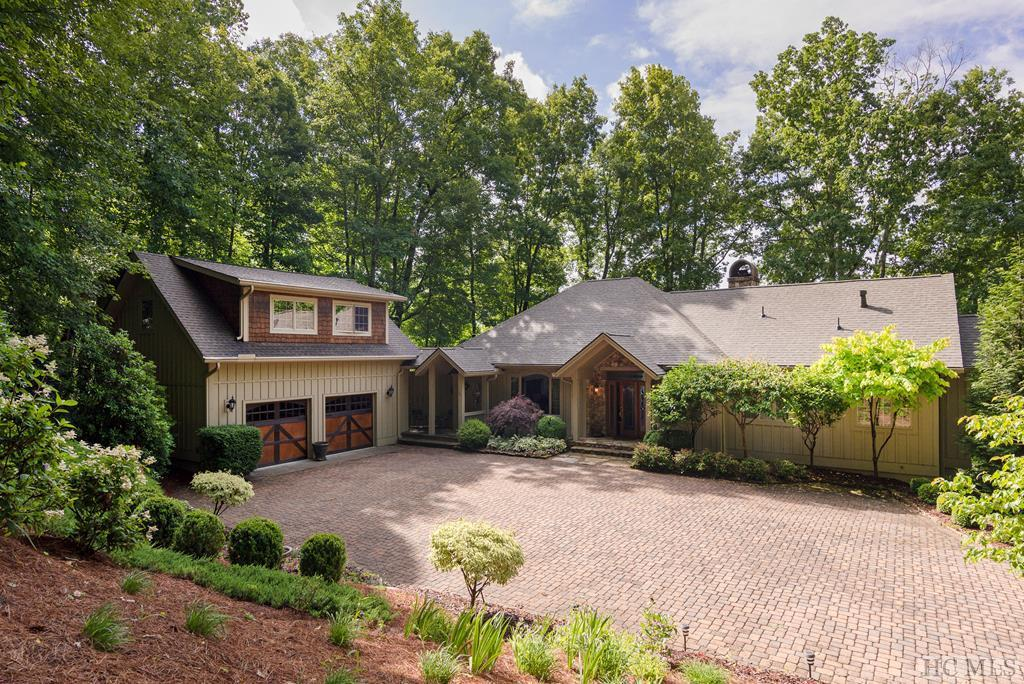 Photo of home for sale at 954 Spring Forest Road, Sapphire NC