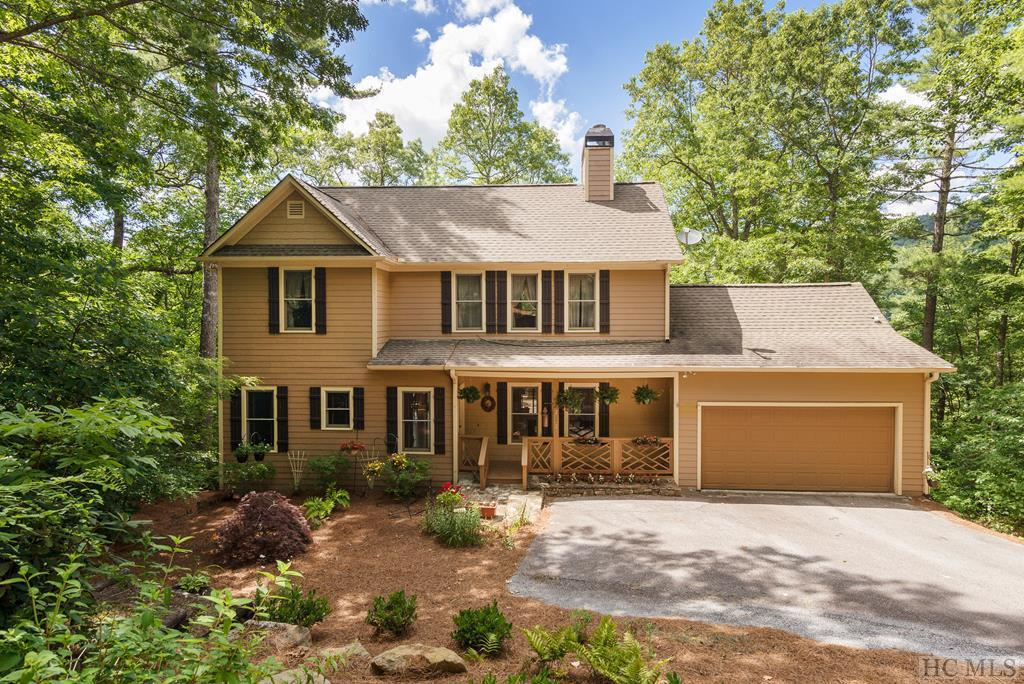 Photo of home for sale at 252 Woods Summit Lane, Cashiers NC