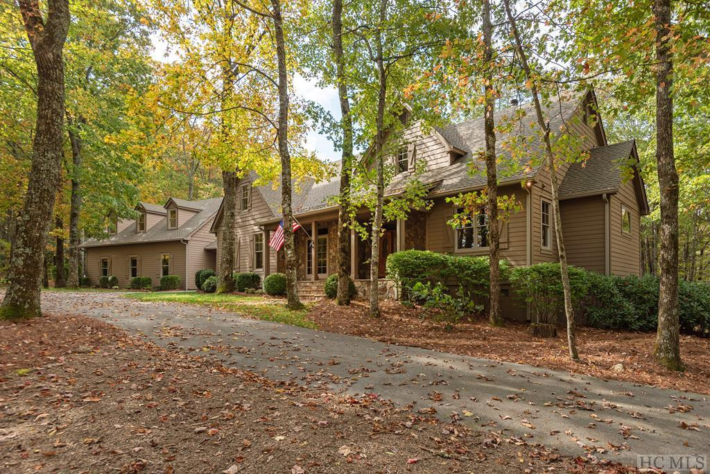 Photo of home for sale at 18 Old Hunters Run, Cashiers NC