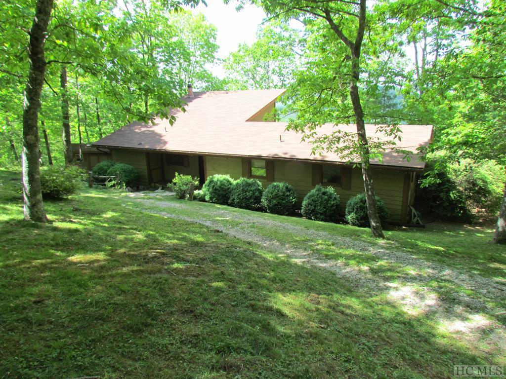 Photo of home for sale at 208 Valley View, Glenville NC