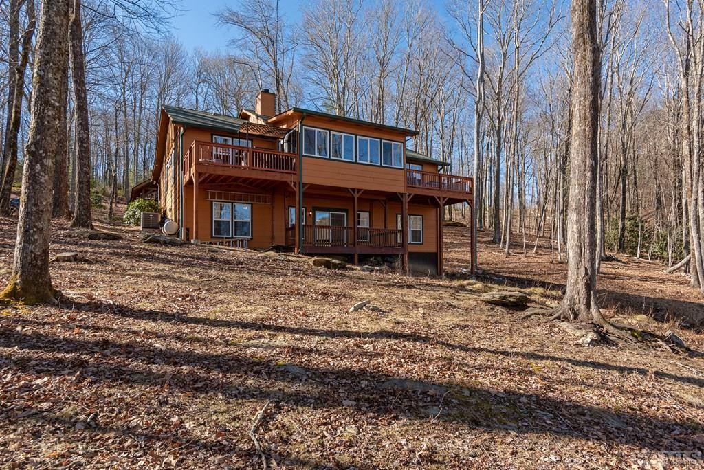 Photo of home for sale at 72 Golden Eagle Court, Sapphire NC