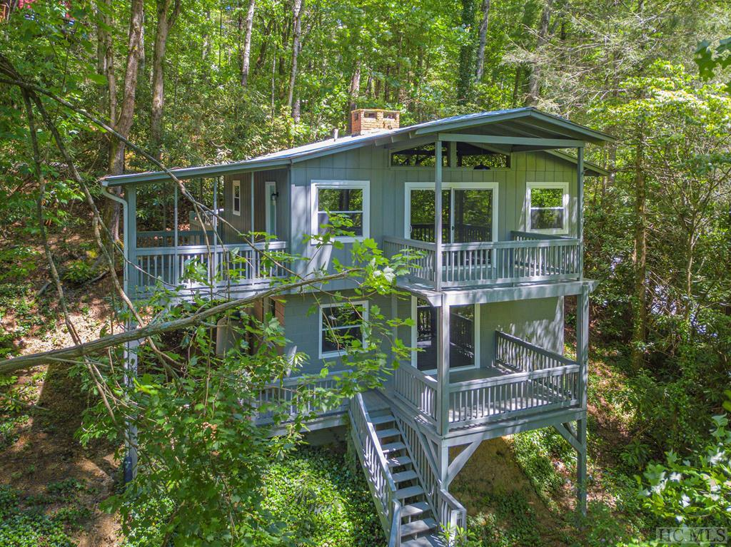 Photo of home for sale at 17 Village Way, Sapphire NC