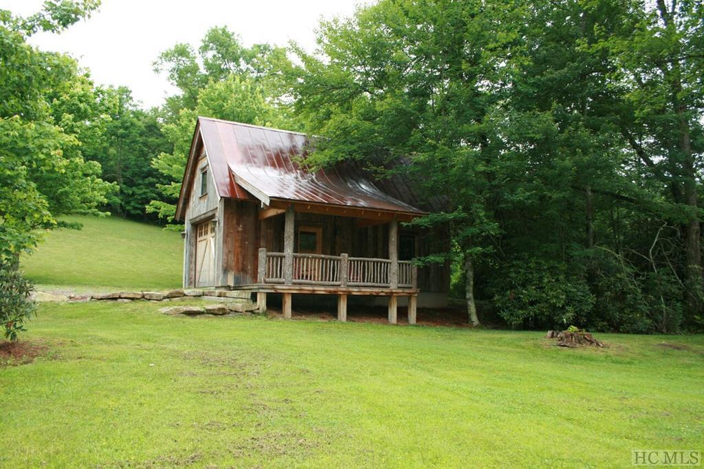 Photo of home for sale at 876 Salt Rock Road, Cullowhee NC