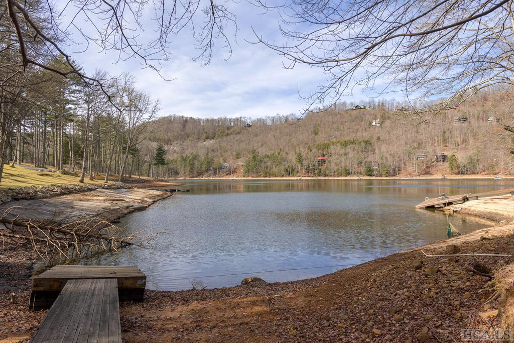 Photo of home for sale at 975 Glenshore Drive, Cullowhee NC